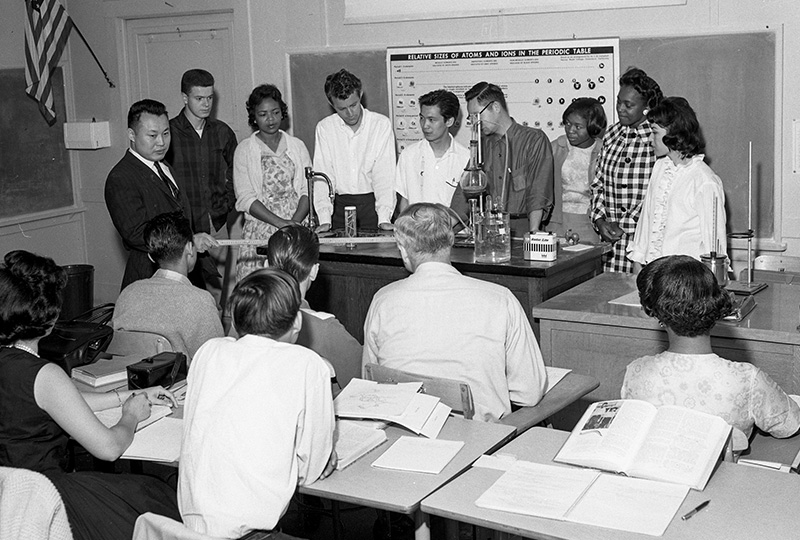 Science class experiment, 1962